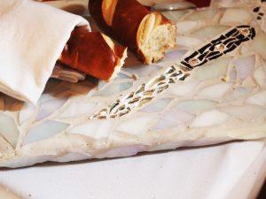 Messer mit Brot