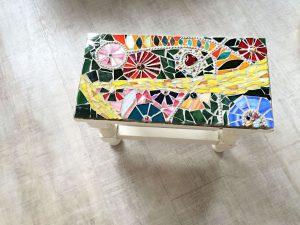 Buntes Tischchen
